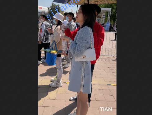 Tian系列9-高颜值肉丝美女蕾丝内裤中间还开档?[804Mb]-福利好好看