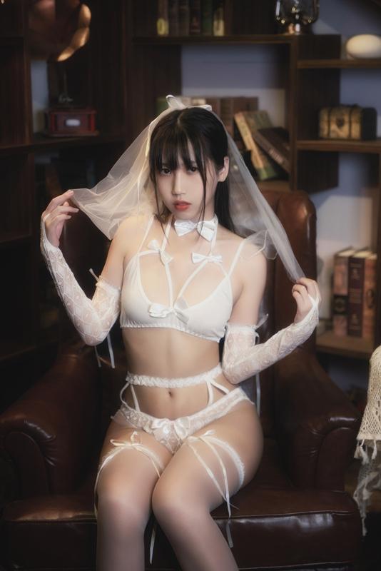 微博人气Coser不呆猫–白色情趣婚纱[24P-32MB]-福利好好看
