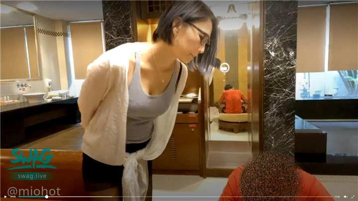 SWAG国产剧情AV - 性感眼镜家教老师挑逗饥渴学生[1V/1.39G]