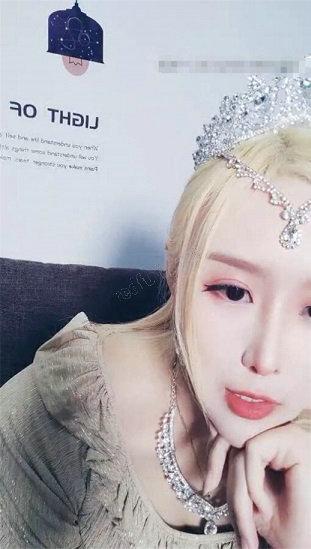 出道歌手筹钱出专辑福利直播 2V
