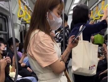 ⭐CD原创⭐精品地铁透明内裤!前后抄毛清晰可见!【1.3G】