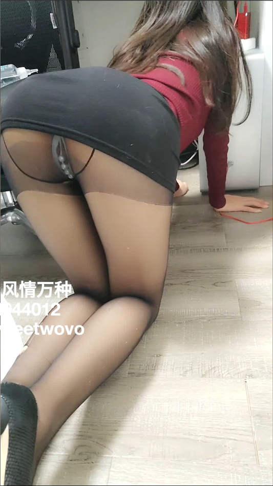 『娜美妖姬』- 黑丝风情女秘书的呻吟[1V/573MB]