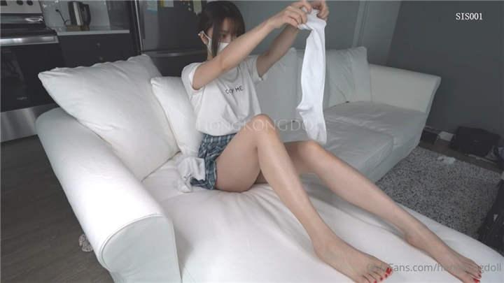 最新极品美少女【HongKongDoll】白色JK制服[1V/585MB]