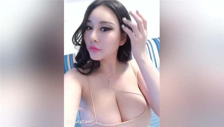 超大巨乳模特女神【费若拉】 大尺度[1V/17MB]