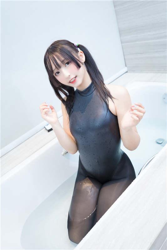 神楽坂真冬-《水の形》[150P/351MB]