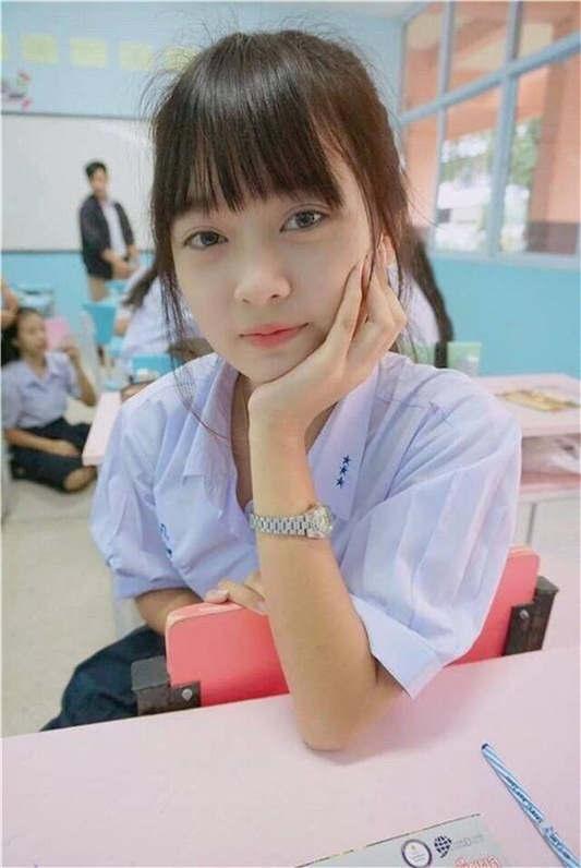 相当清纯的越南大学生@Zalo 尺度自拍[24P/32MB]