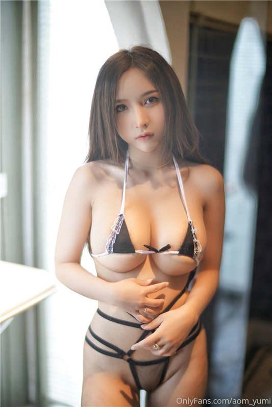 「Onlyfans」巨乳网红Aom_yumi最新合集[28V/365P/1.95G]