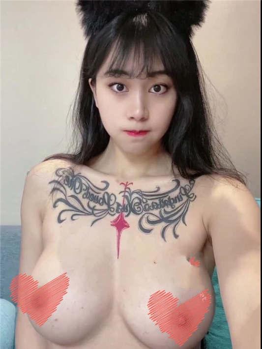 超人气女神『张贺玉』首次超大尺度私拍流出[1V/173MB]