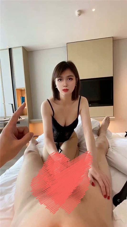 最新推特网红空姐『温柔与霸道』大尺度私拍流出[1V/871MB]