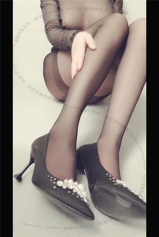 麻酥酥哟 一月新作 - 黑色情趣透视装[1V/858MB]