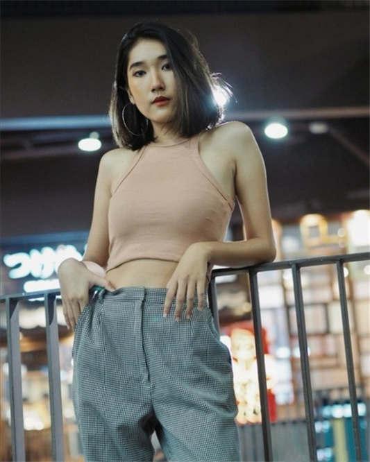 【网曝门事件】泰国知名模特卡美肯和男友私拍流出[77P/1V/1.51G]