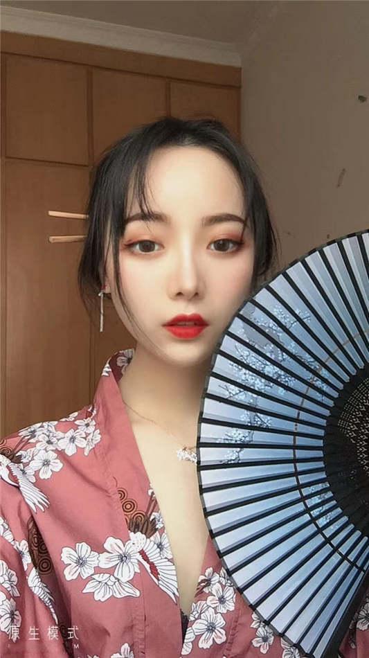 超靓美女王媛媛大尺度私拍流出[34P/1V/238MB]