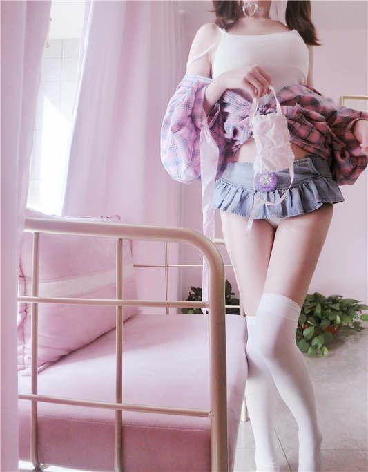 赛高酱 - 轻SM兽耳尾巴 紫色衬衣 [99P+1V/152MB]