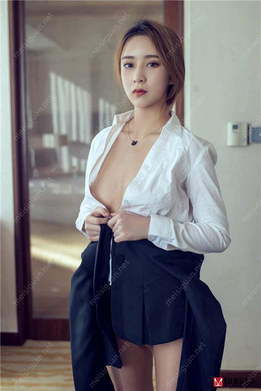 色影师宇航员出品-靓模星女郎乔依琳大尺度私拍流出[620P/6V/2.78G]